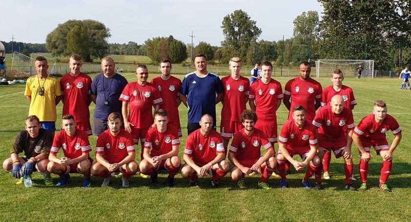 Piłka nożna, Rokicki obietnic Puznówka wyjeździe - zdjęcie, fotografia