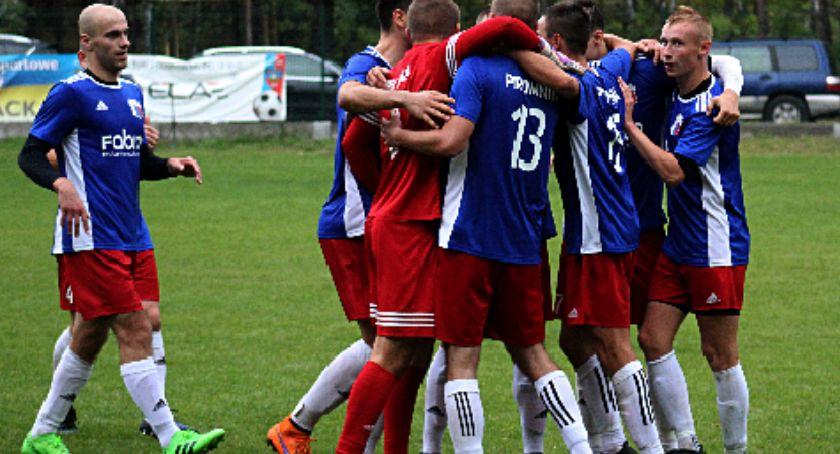 Piłka nożna, Promnik sąsiadem Będzie lepiej - zdjęcie, fotografia