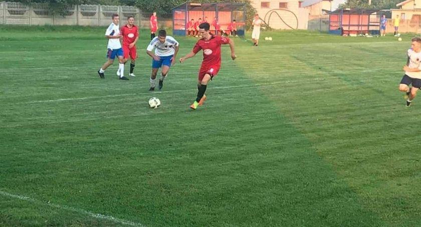Piłka nożna, Płomień zniszczył - zdjęcie, fotografia