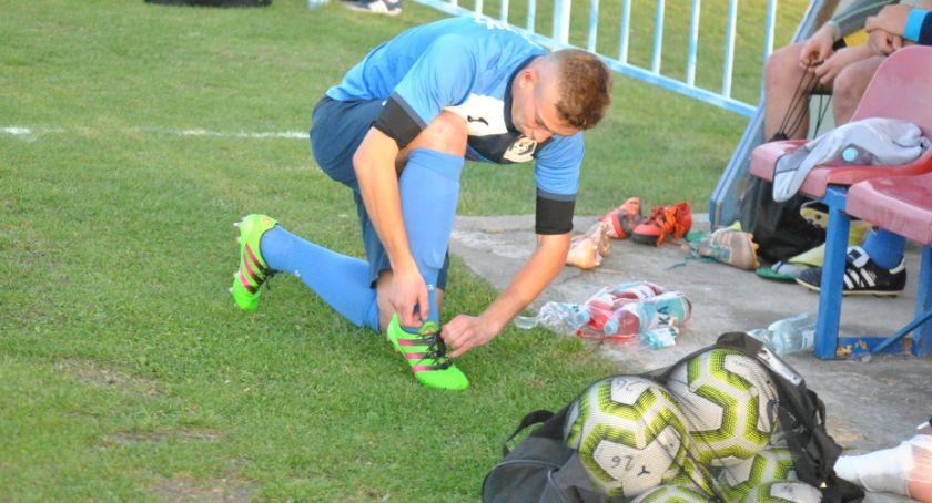 Piłka nożna, Przed weekend emocji murawach Rozkład jazdy - zdjęcie, fotografia
