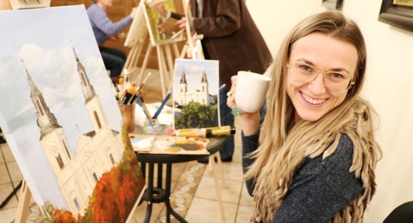 Wystawy, Wystawa jeszcze listopadzie - zdjęcie, fotografia