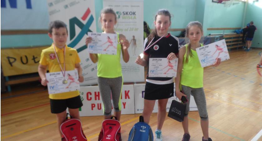 Badminton, Badmintoniści medal - zdjęcie, fotografia