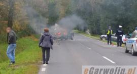 DK76: Kolizja i pożar samochodu. Droga zablokowana! (video)