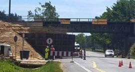 DK17: Wyburzą wiadukt w Trąbkach! Utrudnienia między Miętnem a Lipówkami