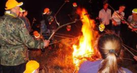 VII Łaskarzewski Rajd Nocny: Idą w nocy mrok, by uczcić pamięć poległych