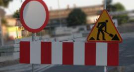 Zamknięcie ul. Czarna Droga w Trąbkach i wstrzymywanie ruchu na DK 17