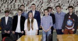 Młodzieżowi radni otrzymali zaświadczenia