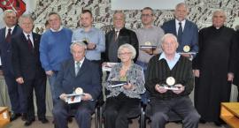 Czternastu Zasłużonych dla Miasta Garwolina – Rodziny zamordowanych otrzymały medale