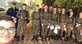 Jabłko w nagrodę, cytryna za karę – akcja policjantów i młodzieży z Łaskarzewa