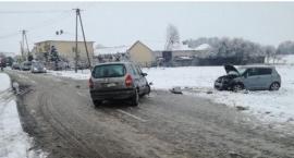 Ślisko na drogach - 3 kolizje i wypadek. W szpitalu 15-latka