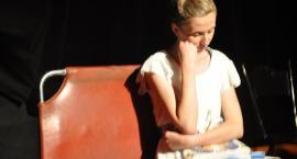 """""""Przystań"""" i Teatr Tymczasem w poszukiwaniu drogi życia"""