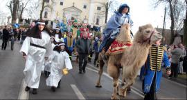 Żelechów - Wyjątkowy Orszak Trzech Króli z wielbłądem (Video)
