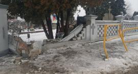 Garwolin - Wjechał w ogrodzenie cmentarza i uciekł