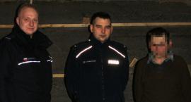 Stracił w pożarze dom – pomogli mu policjanci
