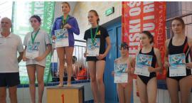 Pływacy UKS Delfin z kolejnymi medalami