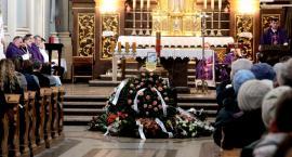 Pożegnali Dzidkę – Bogumiła Szeląg poświęciła życie dla ludzi i krzyża
