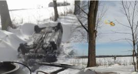 Dachowanie samochodu – ciężarną zabrał śmigłowiec LPR