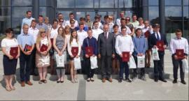 Najlepsi uczniowie z powiatu nagrodzeni przez starostę