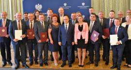 Powiat garwoliński i gmina Górzno z dofinansowaniem na drogi