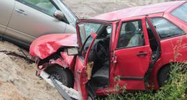 Wypadek na DK17 - dwie osoby w szpitalu