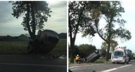 Dachowanie na DK17 – kierowca zasnął za kierownicą