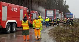 DK17 – pożar opony w naczepie przewożącej świnie – ogromne utrudnienia