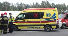 Wypadek – zaczepił pieszą lusterkiem, przejechał po nodze