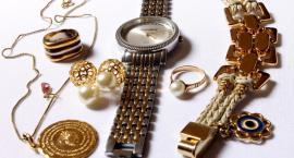 Okradły starszą osobę – biżuterię sprzedały w lombardzie