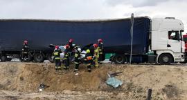 Śmiertelny wypadek na DK17 – droga jest całkowicie zablokowana