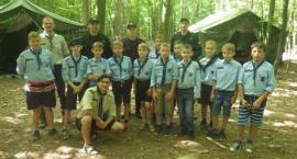 Strażacy z wizytą w obozie harcerskim w Oziemkówce.