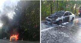 Volvo w płomieniach – Pożar samochodu na DW 801