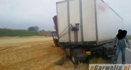 DK17: Zdarzenie z udziałem scanii i ciężarowego mercedesa