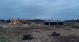 Stawiają reaktor i zbiorniki – Prace w Maciejowicach postępują
