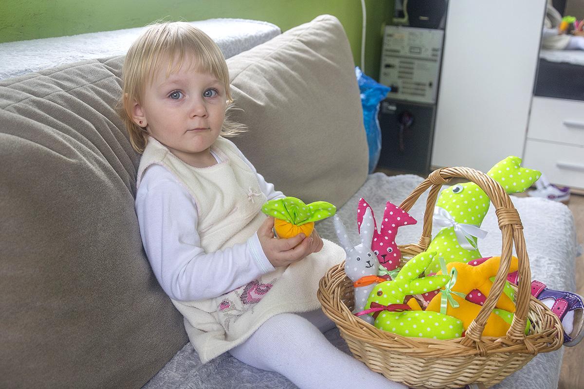 Sylwetki, Szyje dzięki córce Milenie - zdjęcie, fotografia