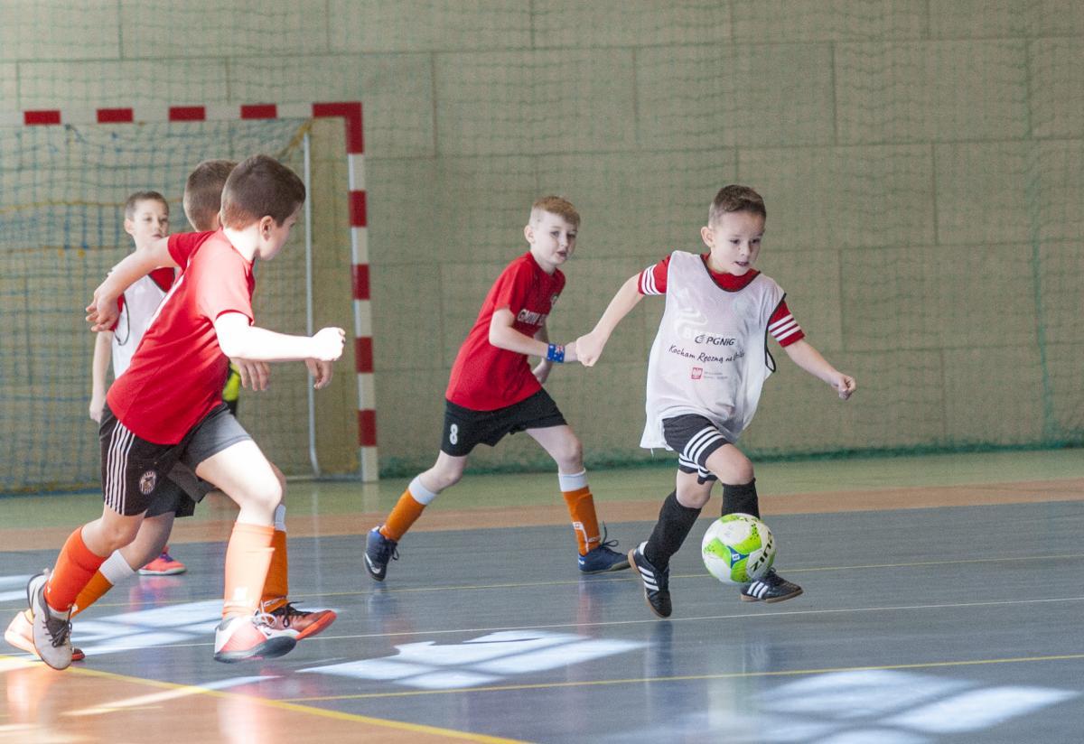 Piłka nożna, Givova Winter Tuchomiu - zdjęcie, fotografia