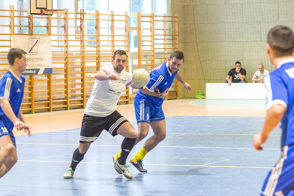 Piłka nożna, Noworoczny Turniej Halowy Tuchomiu - zdjęcie, fotografia