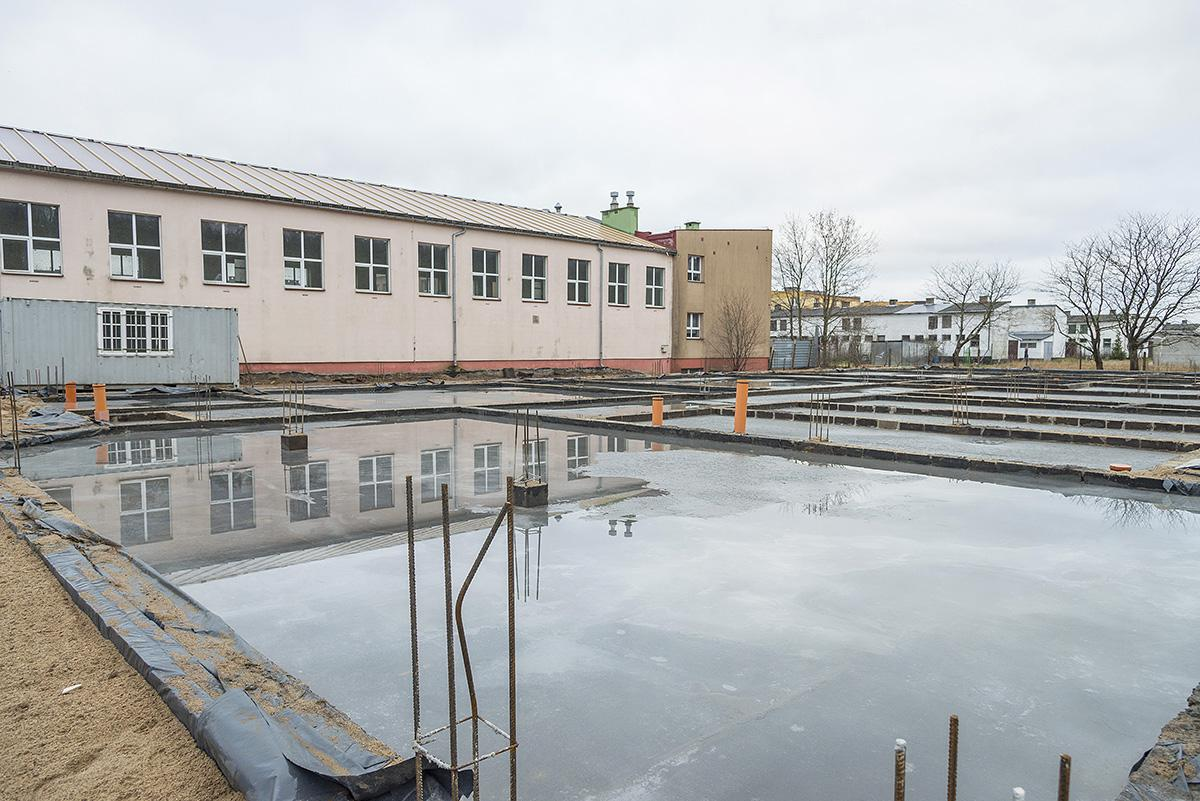 Na bieżąco, Szkoła rozbudowana - zdjęcie, fotografia