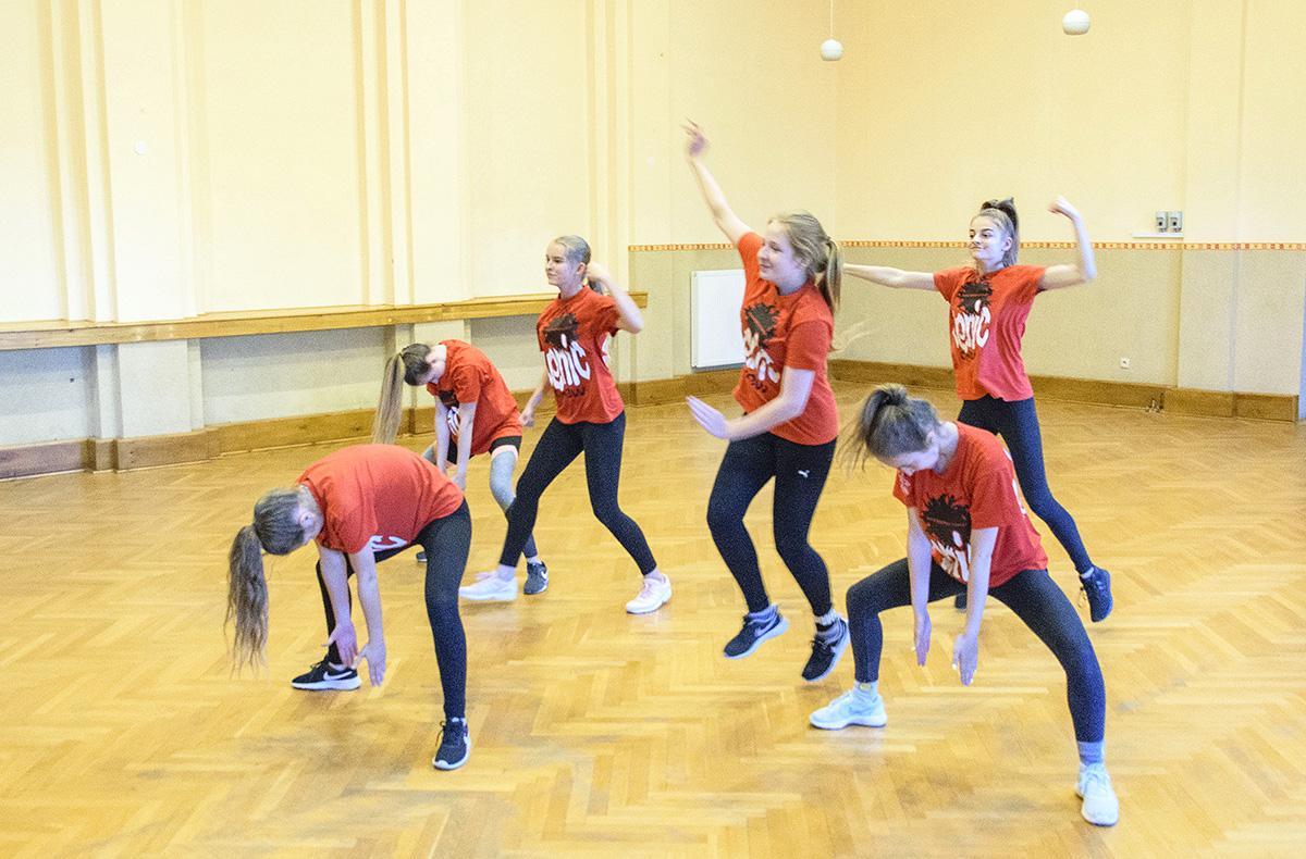 Inne, Próba grupy tanecznej - zdjęcie, fotografia