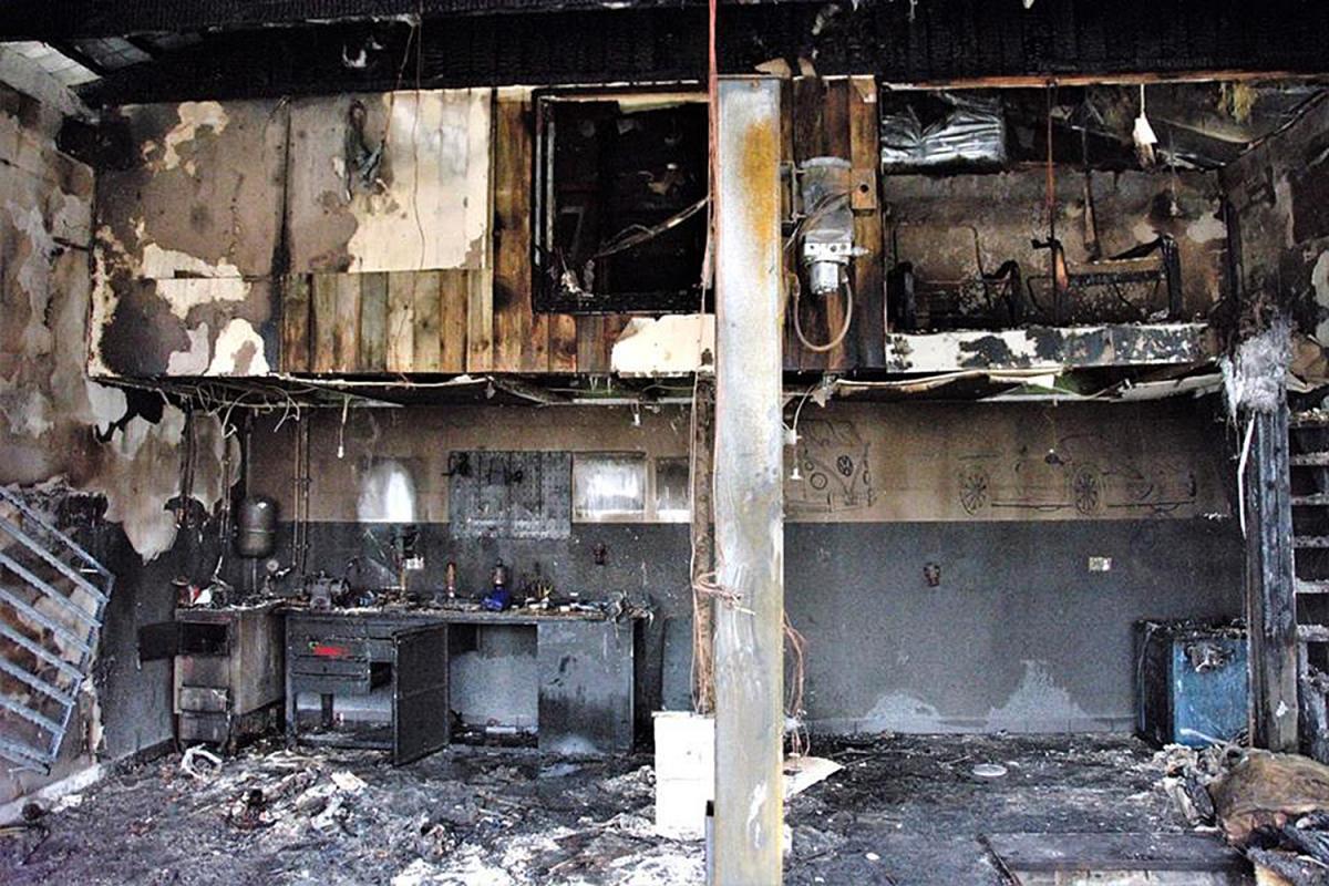 Pali się, Jeden spłonął drugi uratowali - zdjęcie, fotografia