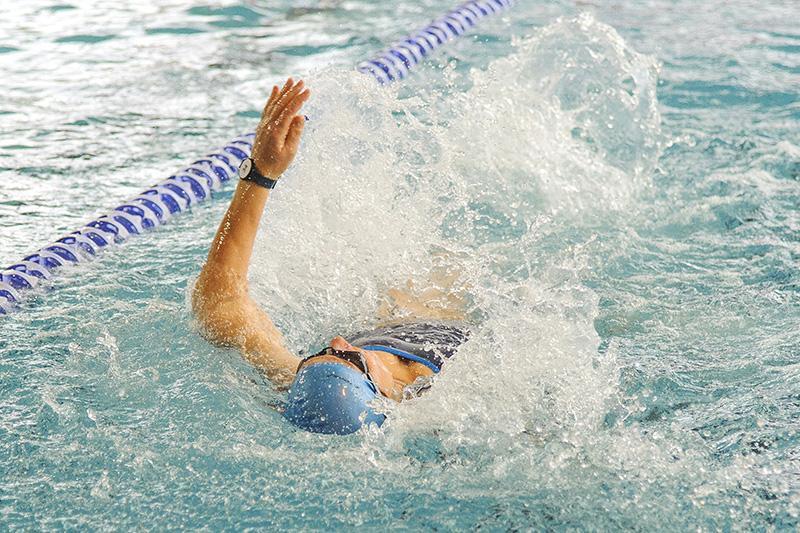 Lekkoatletyka, Zmagania strażaków pływalni - zdjęcie, fotografia