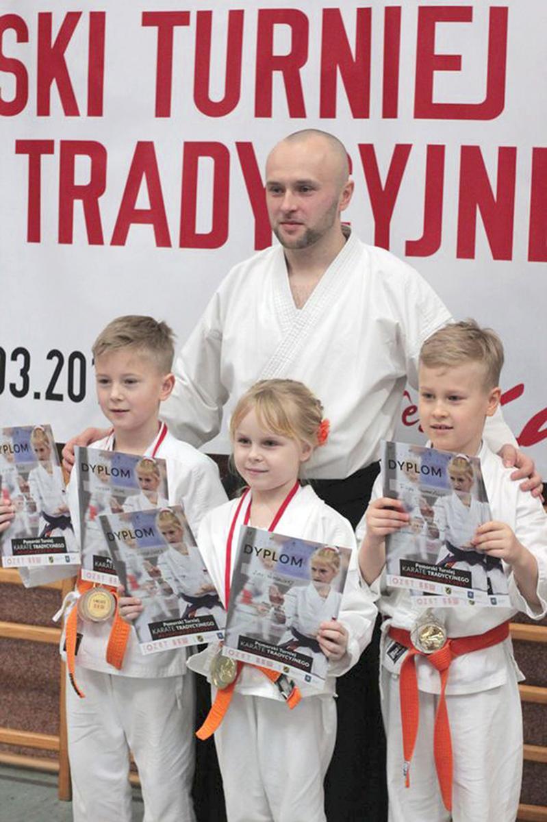 Sporty walki, Sukcesy bytowskich karateków - zdjęcie, fotografia