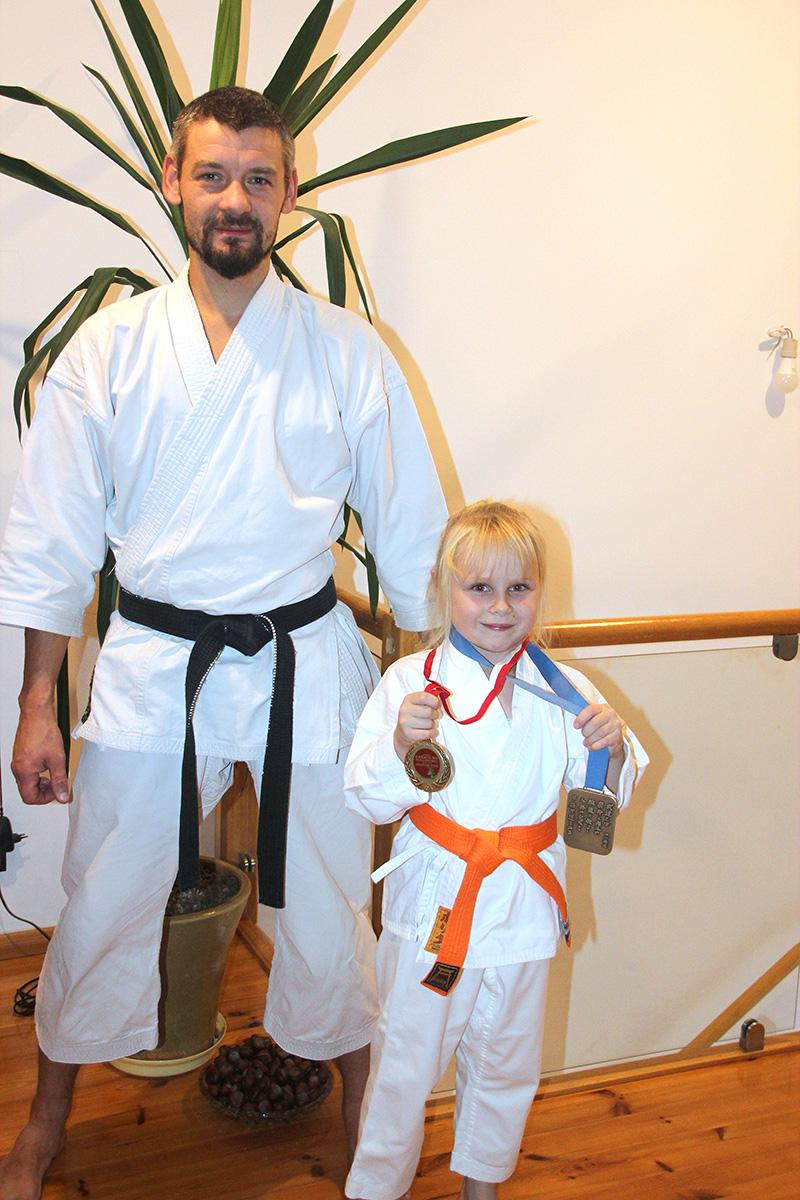Sporty walki, Medal bytowianki - zdjęcie, fotografia