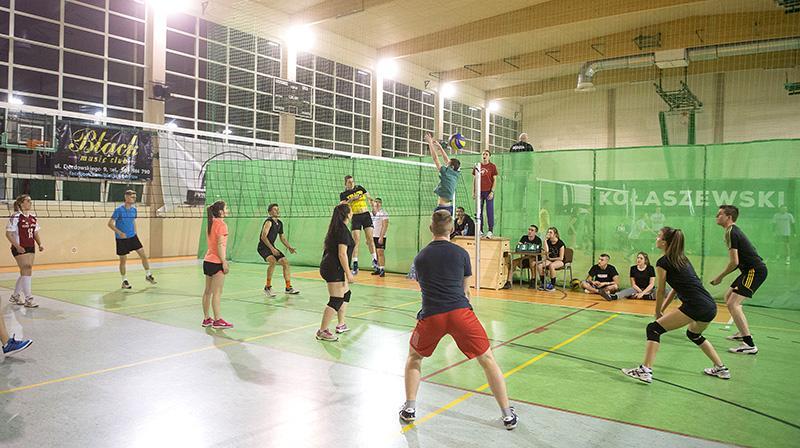 Siatkówka, Nocny turniej siatkówki - zdjęcie, fotografia