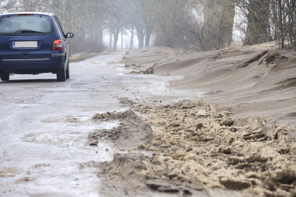 Na drogach, Groźne śnieżne zawieje - zdjęcie, fotografia