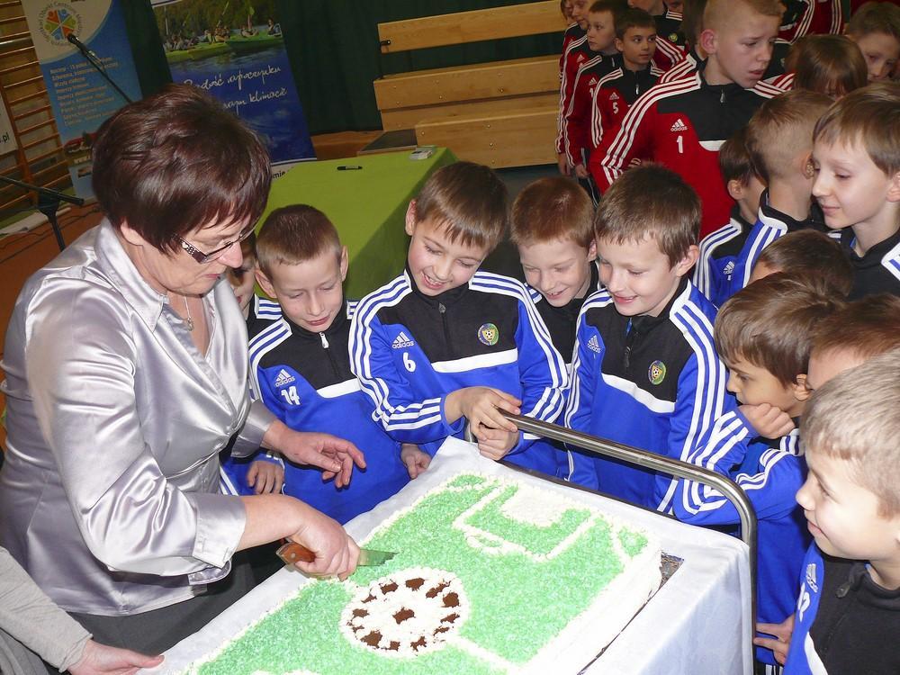 Piłka nożna, Tuchomiu piłkarskie szkolenie dzieci rozmachem - zdjęcie, fotografia