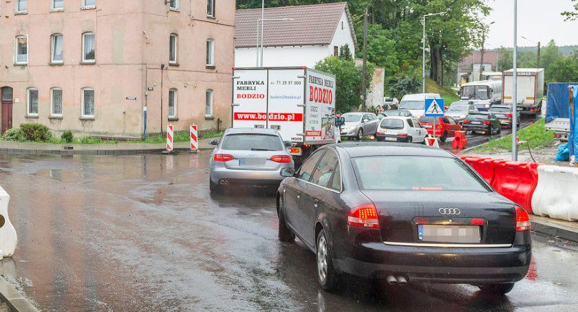 Na bieżąco, pierwszeństwem skrzyżowaniu Borują Drzymały - zdjęcie, fotografia