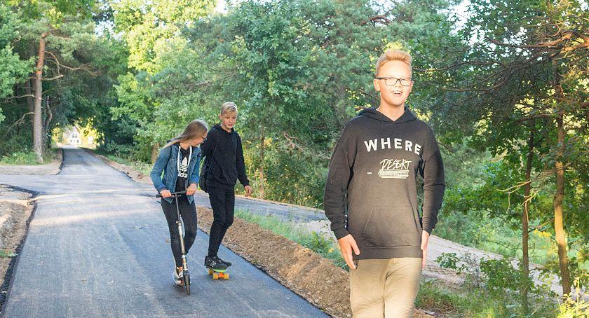 Na bieżąco, ścieżce rowerowej pojawił asfalt - zdjęcie, fotografia