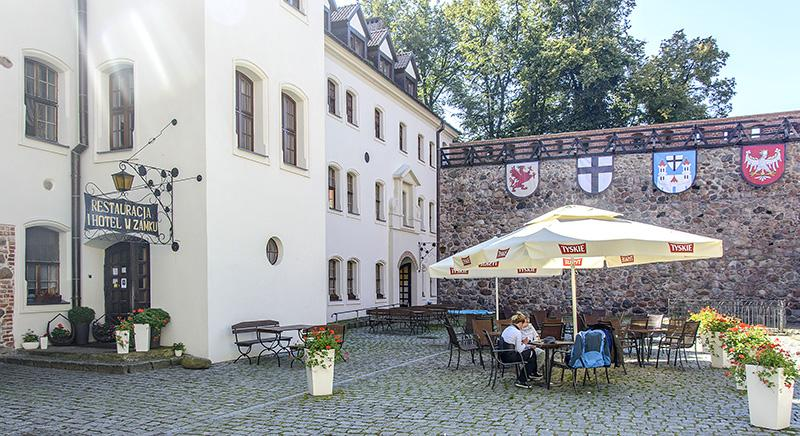 zbiorcze stare, Najpierw restauracja potem hotel - zdjęcie, fotografia