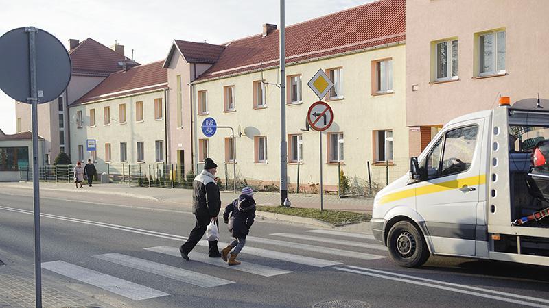 Na drogach, Potrącony niedoświetlonym przejściu - zdjęcie, fotografia