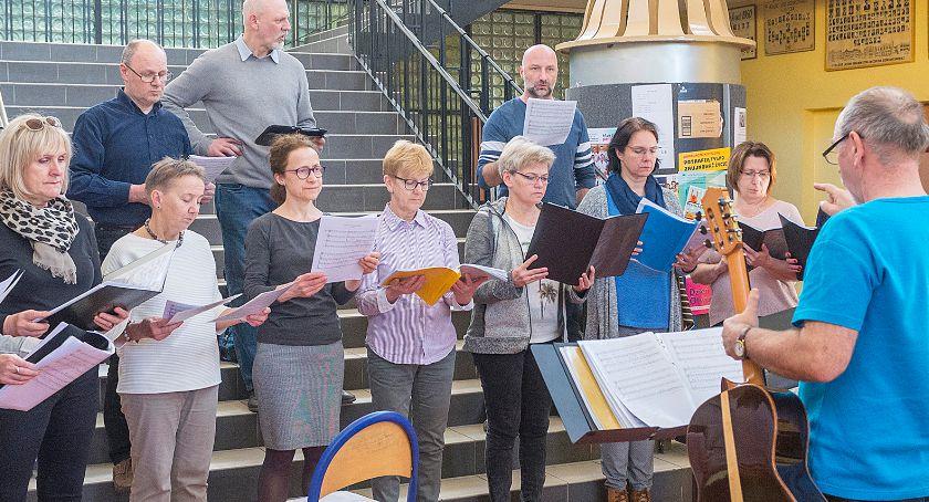Zapowiedzi, Chór Collegium Musicum obchodzi lecie - zdjęcie, fotografia